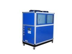 低温冷却机