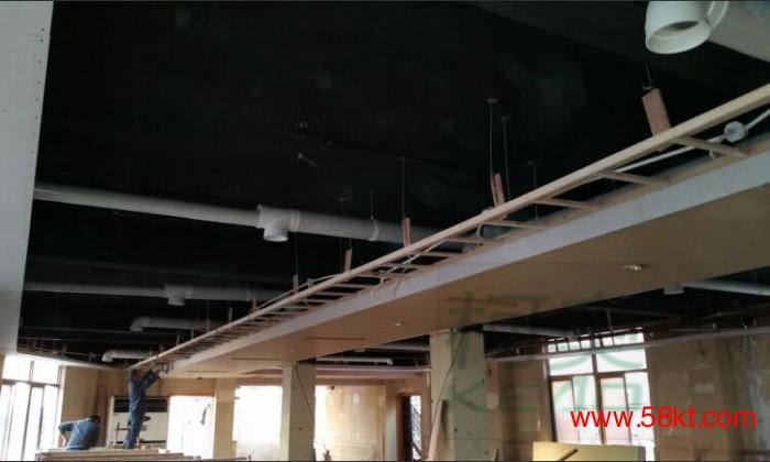 商场普瑞泰中央新风换气机安装