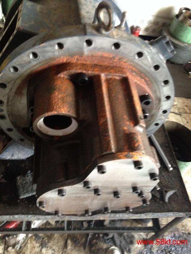 深圳螺杆压缩机维修进水问题