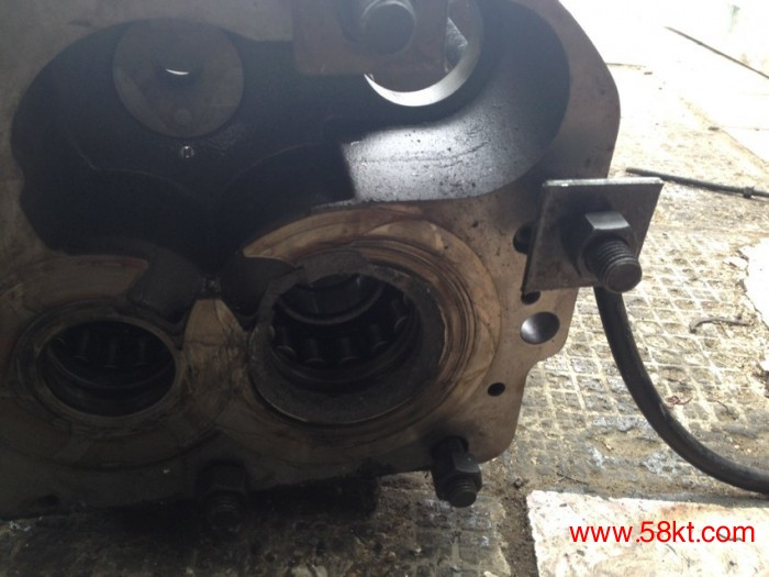 顿汉布什压缩机维修螺杆损坏
